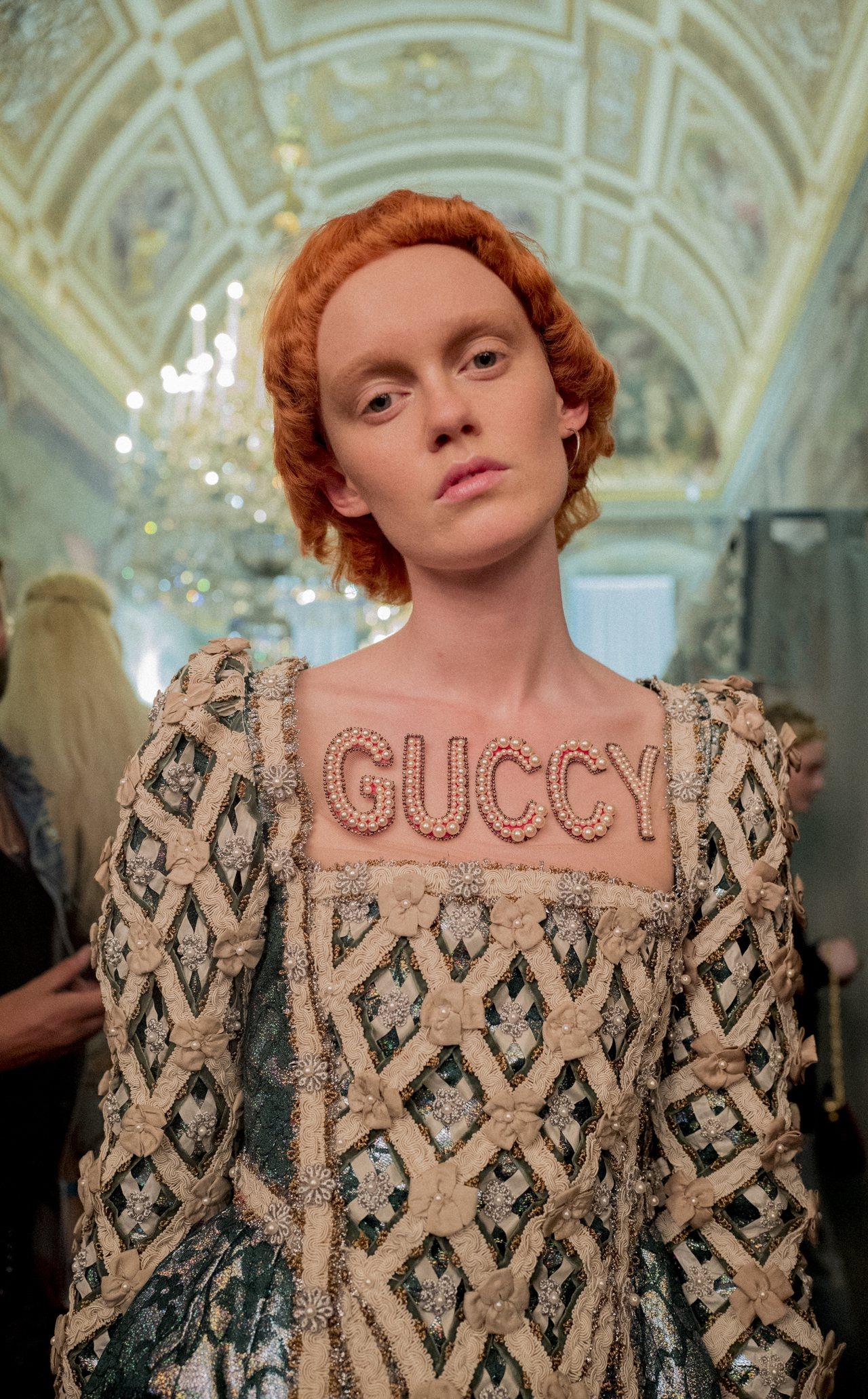 將「Gucci」拼成「Guccy」的巧思,更將品牌logo完美復興,變身一種獨特的形容詞。