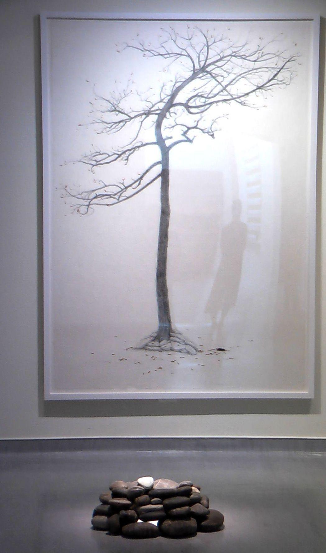 石晉華的作品「犧牲樹」。記者徐如宜/攝影