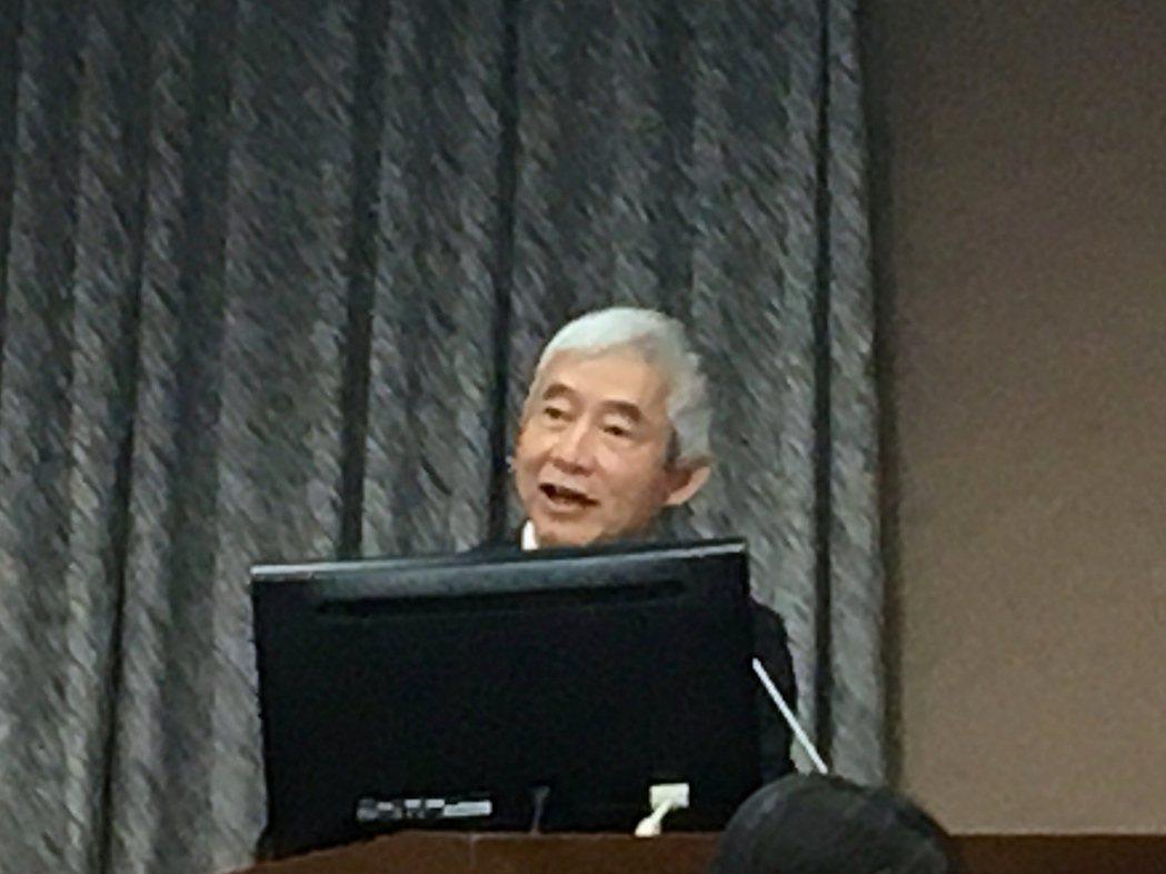 交通部長賀陳旦今天在立法院交通委員會接受質詢。記者雷光涵/攝影