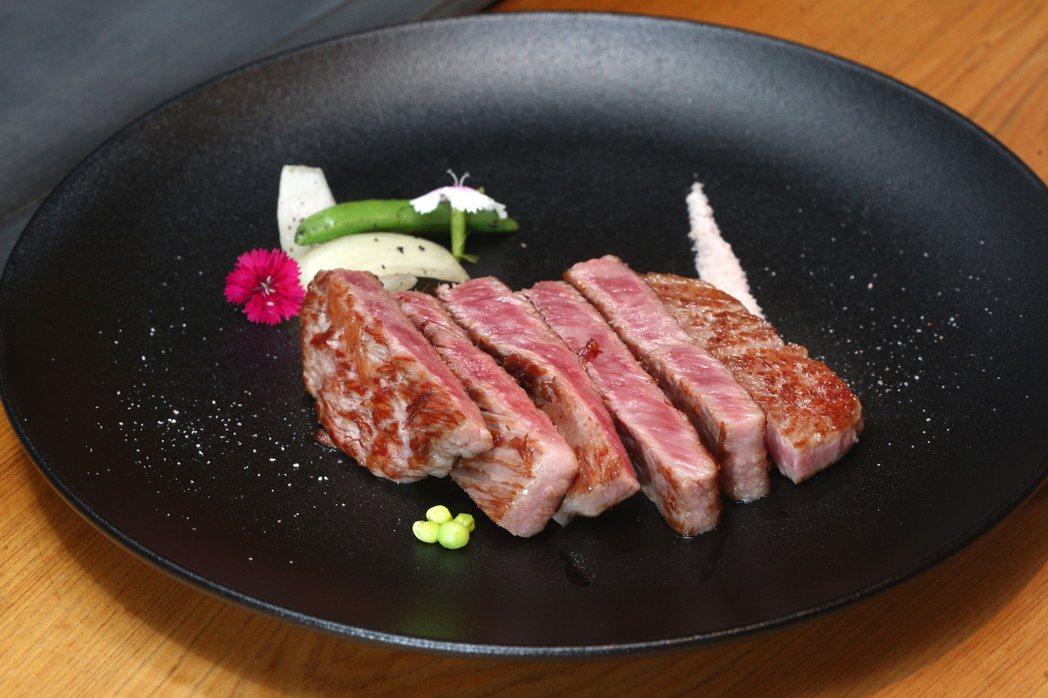 傳說中入口即化的神戶牛,即日起在台北美福大飯店販售,是政府重新開放日本和牛進口後...