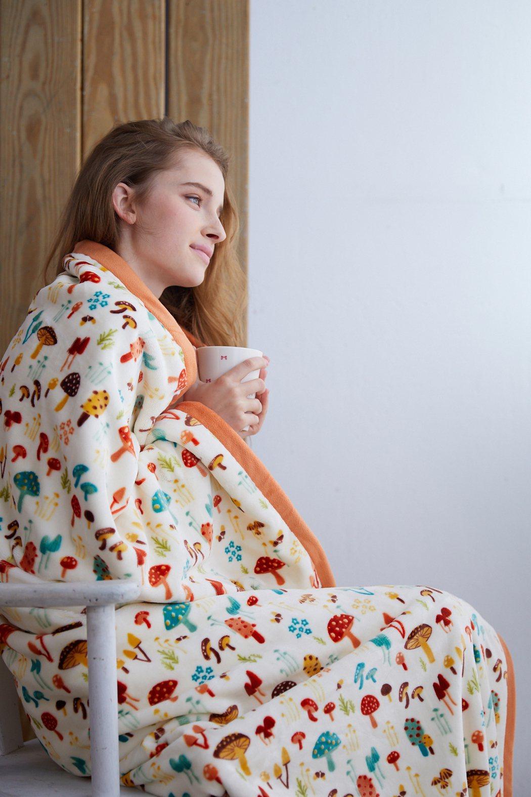 La mode寢飾菇菇雲柔毯。圖/La mode提供