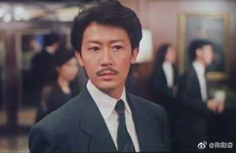 年輕時的陳勳奇。圖/摘自微博