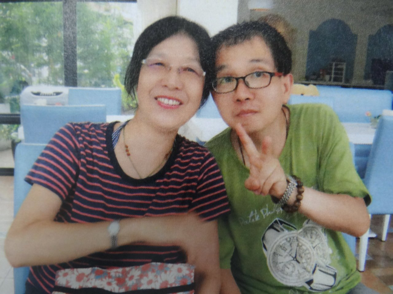曾耀德和媽媽母子情深,母親辭去工作,陪兒子抗癌25年。記者蔡維斌/翻攝