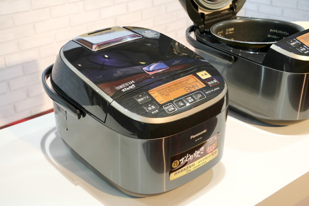 Panasonic可變壓力IH電子鍋。記者史榮恩/攝影