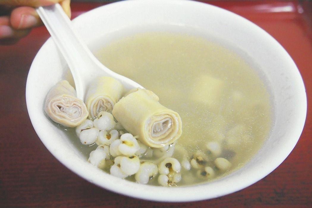高記雙管四神湯是景美夜市最著名的小吃之一。 圖/報系資料照