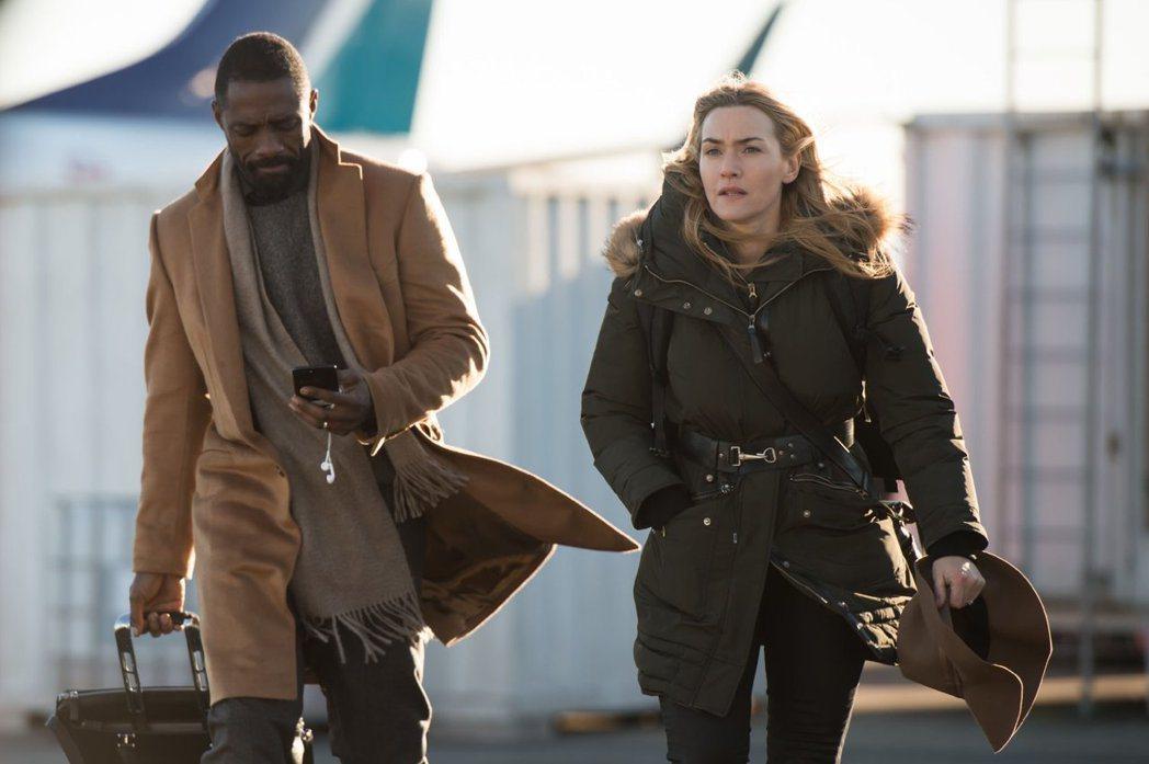 凱特溫絲蕾與伊卓斯艾巴在「絕處逢山」有床戲。圖/摘自imdb