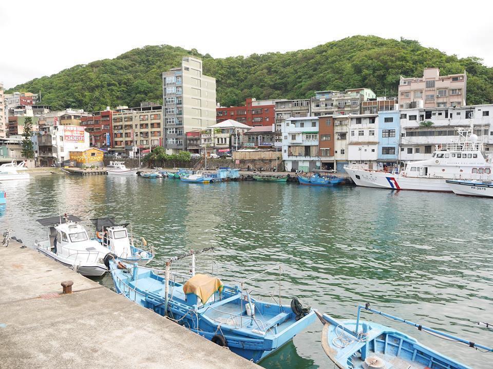 剛完成全台巡演的「舊情綿綿音樂劇」,劇中多次出現的漁港背景,就是正濱漁港旁的懷舊...