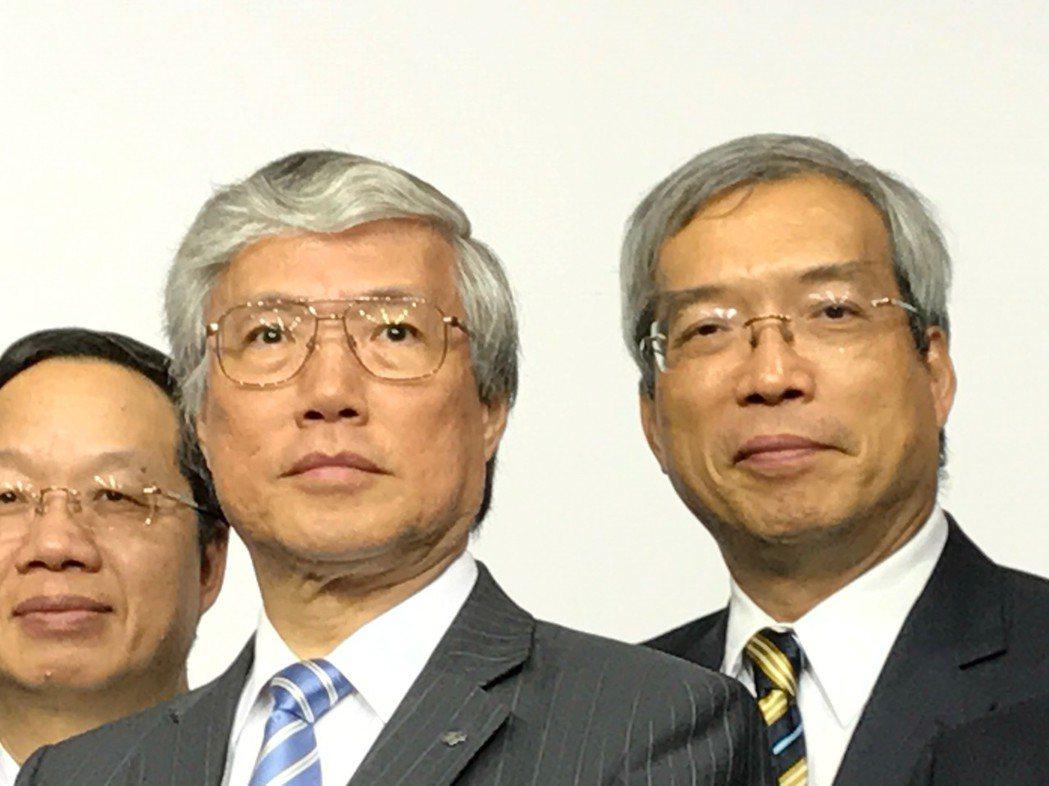 日本野村總合研究所首席經濟學家辜朝明(前排)。記者陳怡慈/攝影