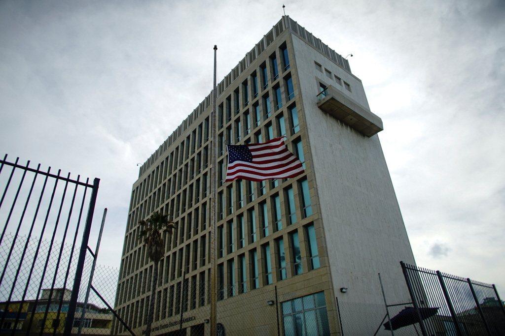 英國衛報報導,根據資深神經病學專家的說法,美國外交人員在古巴遭遇的聽力受損神祕病...