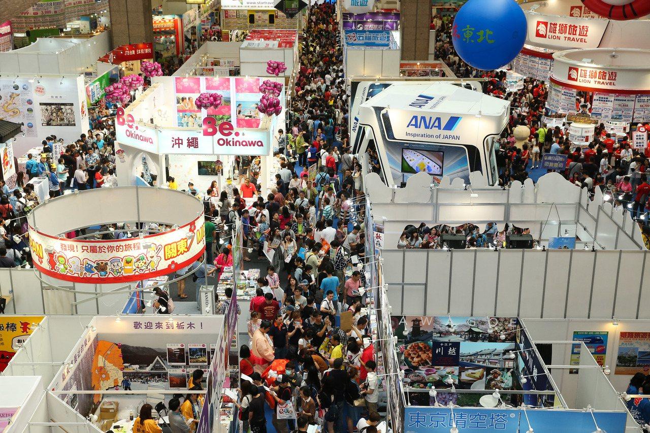 歷屆ITF台北國際旅展人潮擠滿台北世貿!記者陳立凱/攝影