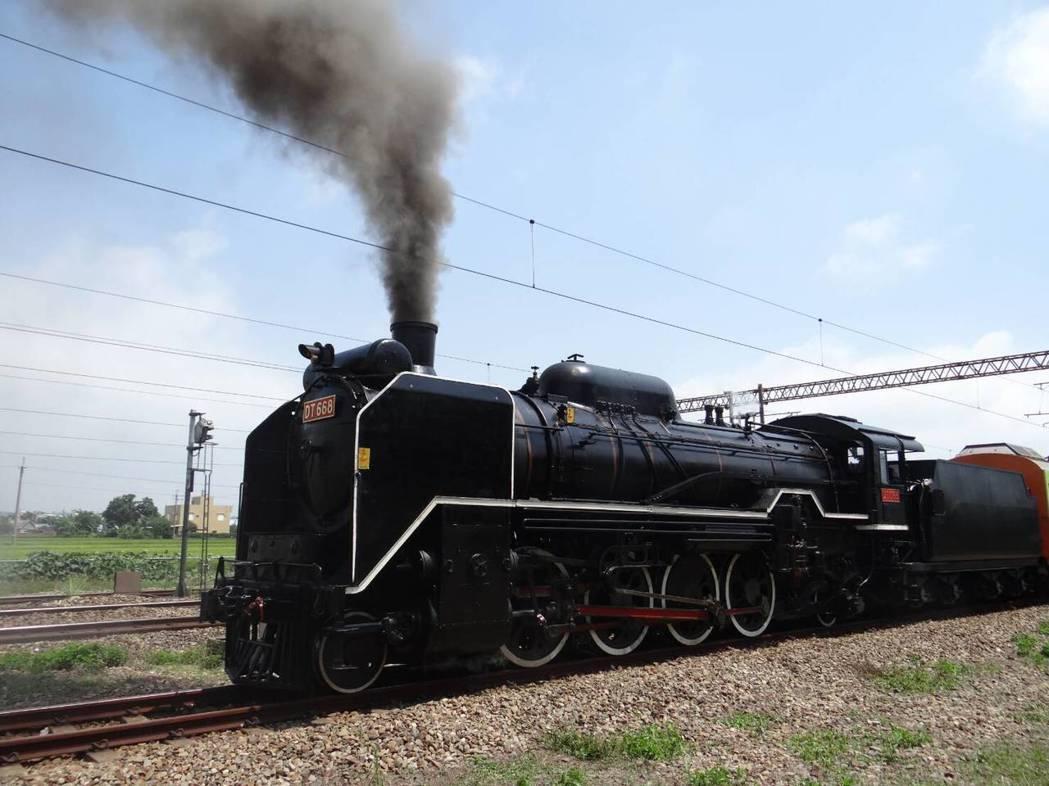 蒸汽火車與環保的衝突似有解套辦法。 台鐵局/提供