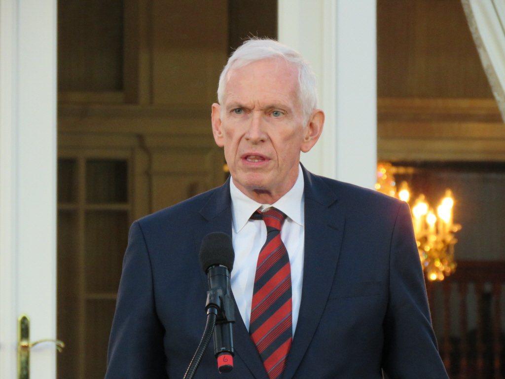 對於川普訪陸,中美是否會簽「第四公報」,美國在台協會主席莫健表示,他對「第四公報...