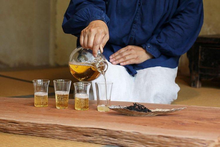 茶會的美感在於茶與茶器間的對話。圖/記者楊萬雲攝影