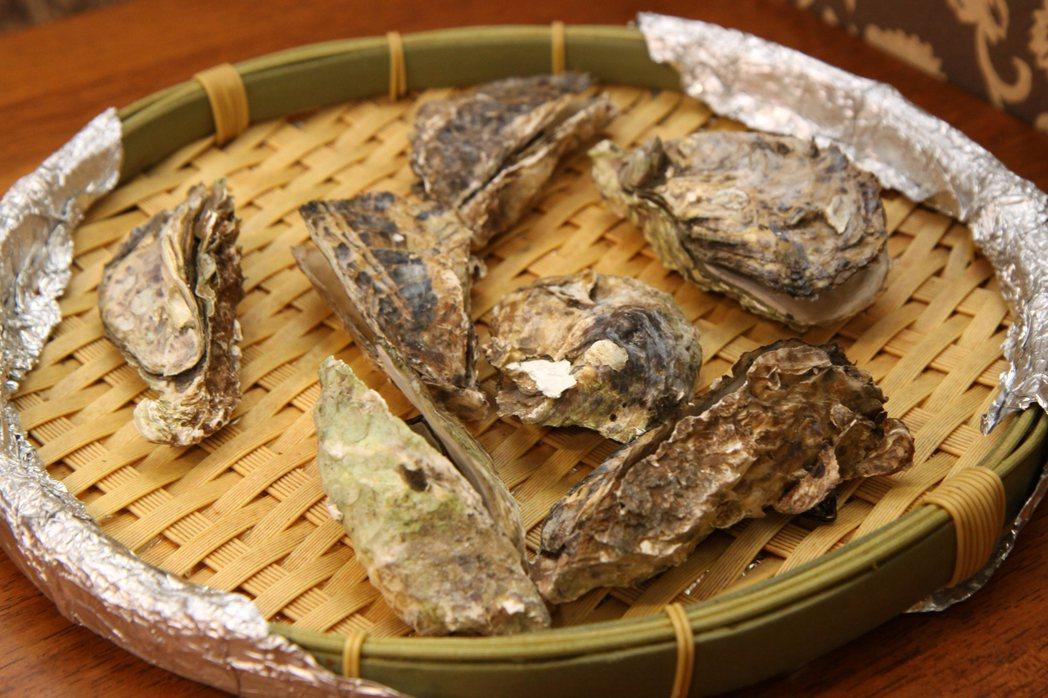 新鮮的東石鮮蚵搭配嗆辣的哇沙米,入口更帶勁。記者王敏旭/攝影