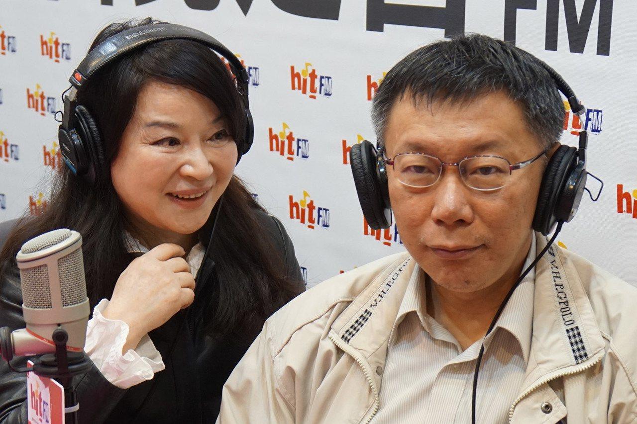 周玉蔻(左)近來不斷砲轟台北市長柯文哲(右)。 聯合報系資料照/記者劉宛琳攝影