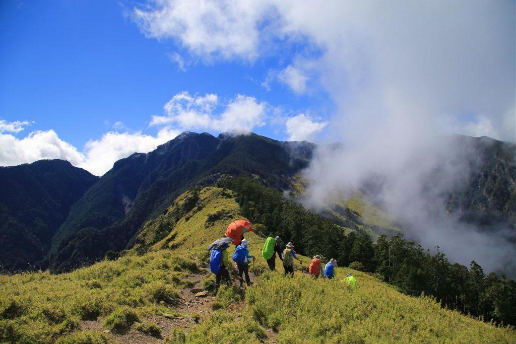 登山人一生必爬Top10-雪山主東峰|圖片來源:Tripbaa趣吧!達人帶路