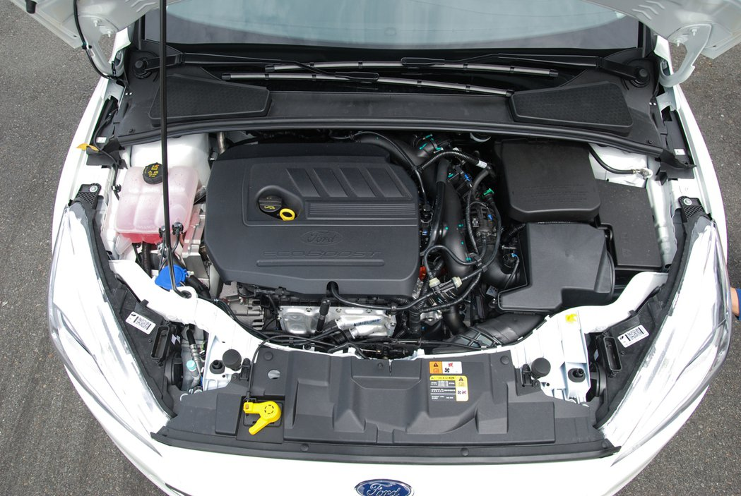 EcoBoost®180 汽油渦輪引擎搭配 Select Shift 六速手自排...