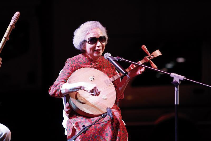 楊秀卿已年過八旬,仍傾盡一生,傳承唸歌文化。 (台灣微笑唸歌團提供)