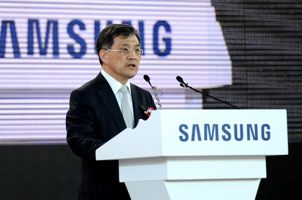 三星電子副會長權五鉉表示,明年3月任滿後將離職。(中新社)