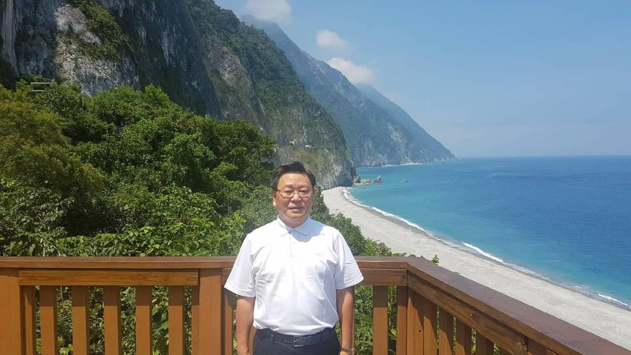 韓國駐台代表楊昌洙和家人環台,其中一站到花蓮。圖/駐台北韓國代表部提供