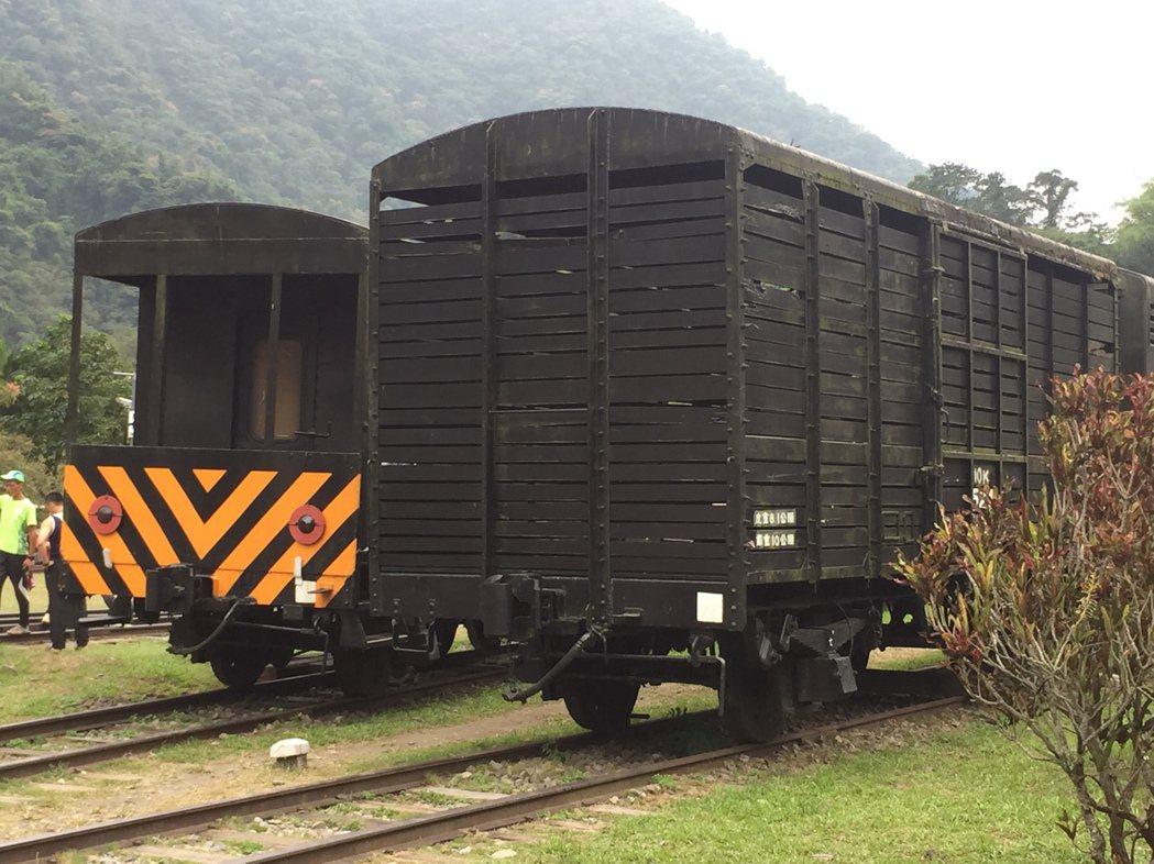 車埕保存不少老火車,濃厚的懷舊氣氛,受到遊客喜愛。記者江良誠/攝影