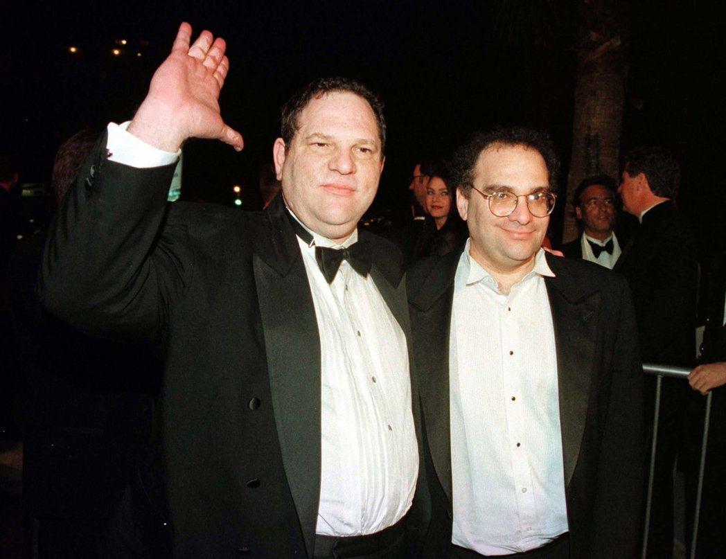 哈維(左)與鮑伯溫斯坦兄弟合組影片公司,彼此卻愛恨交錯。圖/路透資料照
