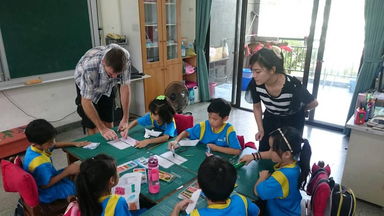 台南市力推英語為第二官方語言,補助國小開課後英語班。 記者鄭惠仁/攝影