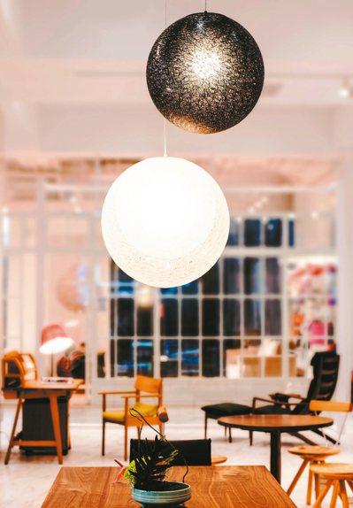 由知名建築大師伊東豊雄設計的MAYUHANA Mie,如俄羅斯娃娃般擁有三層球體...
