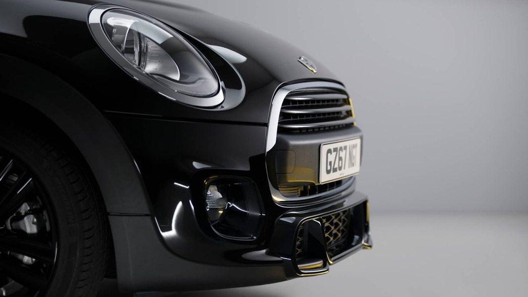 Mini 1499 GT運動化空力套件都採用JCW部品。圖/Mini提供