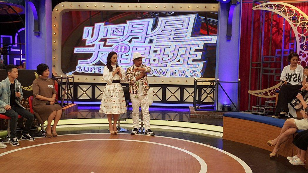 吳宗憲(左)今錄中天「小明星大跟班」。記者林怡秀╱攝影