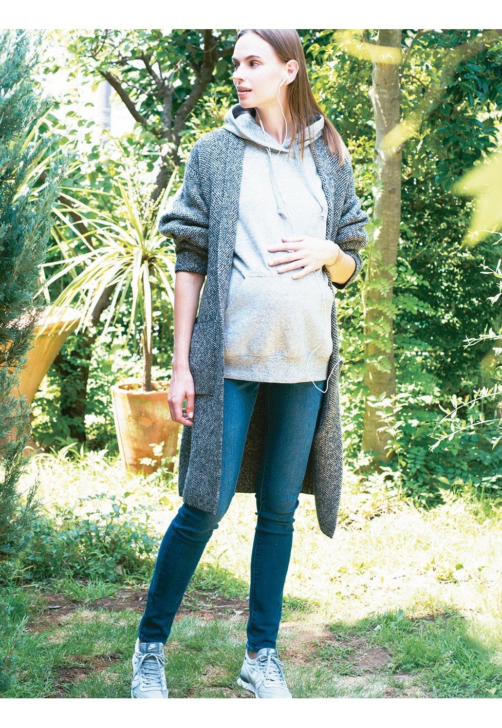 時尚與延展性都佳的孕婦包腹特級彈性牛仔褲,可讓準媽咪在孕期間依舊保持女性時尚風采...