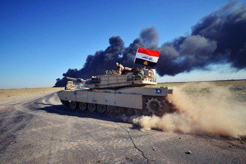 資料圖片:伊拉克裝甲部隊。 圖/路透社