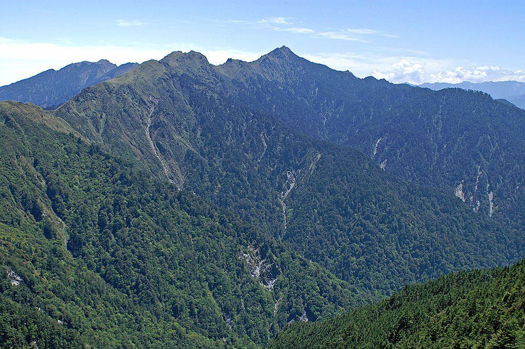 能高山主峰形狀像女人乳房。 圖取自維基百科