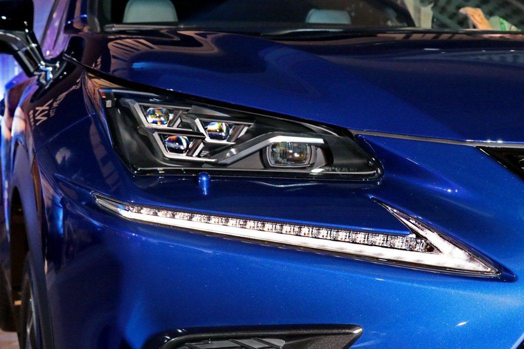 NX車系最新三眼LED頭燈。 記者陳威任/攝影