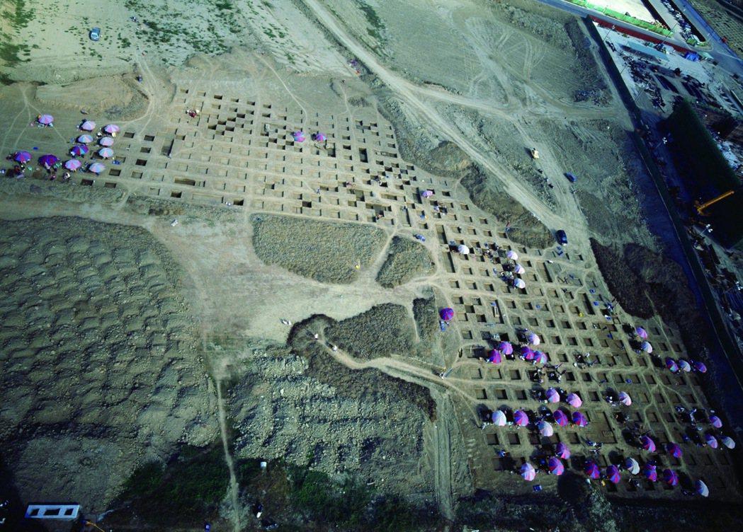 南科考古計畫推翻「南島語族源自東南亞」的通說,並支持南島語族來自大陸沿海的推論。...