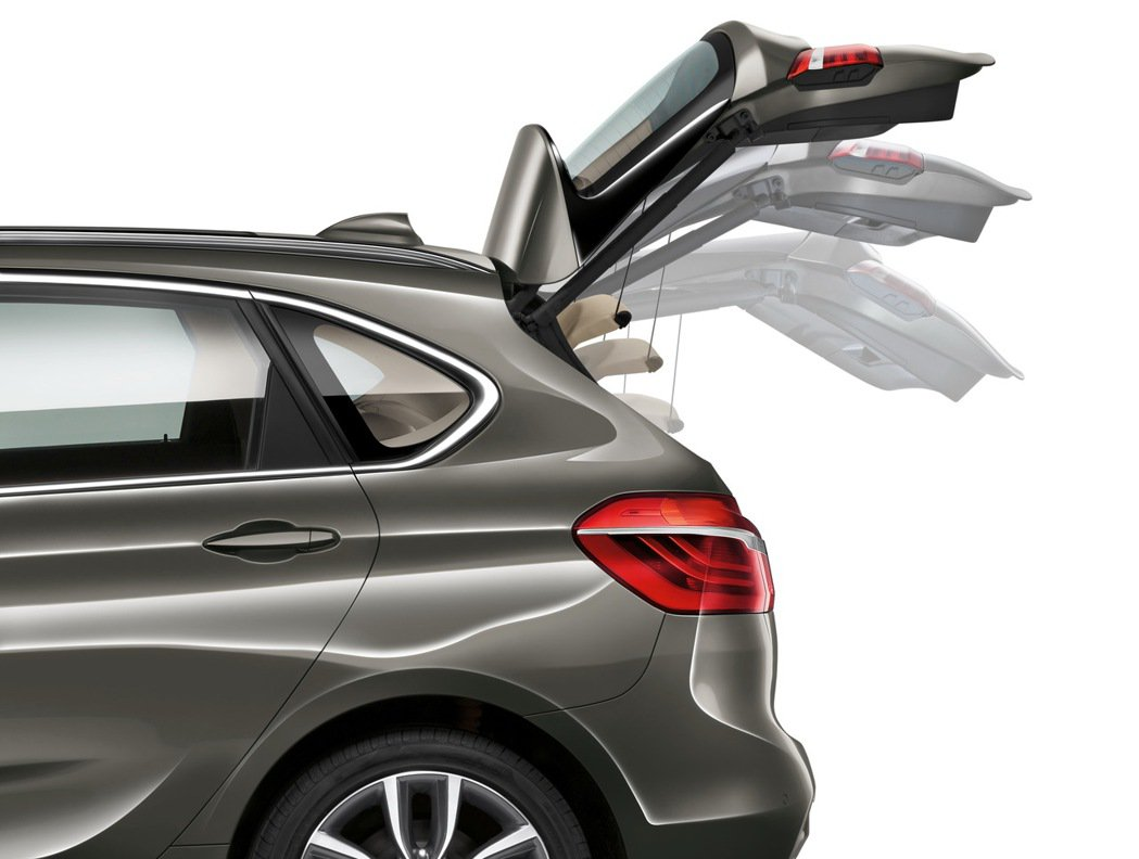 2018年式BMW 218i Active Tourer、BMW 218d Active Tourer與BMW 220i Active Tourer全面升級標準配備電動尾門啟閉系統 圖/汎德提供