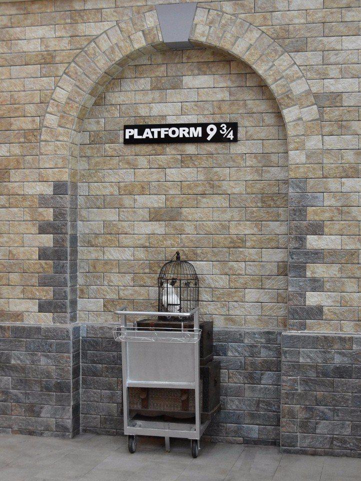 集集驛站內的哈利波特月台。(提供/南投縣政府)