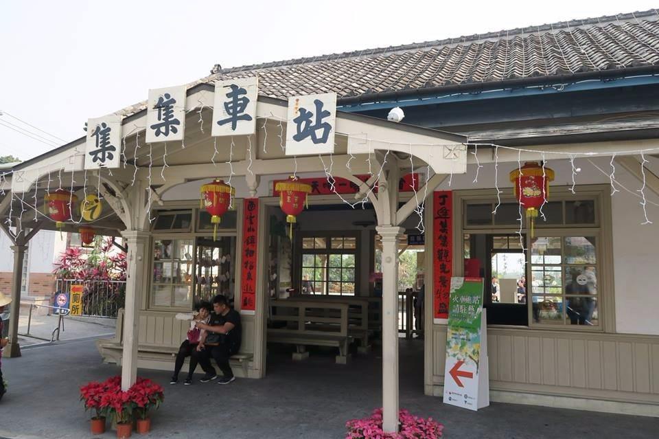 由檜木建成的集集車站。(提供/雄獅旅遊)
