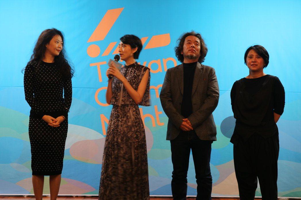 左起「謎絲」導演郝芳威、女主角柯佳嬿、美術設計赤塚佳仁、監製李亞梅。圖/國家電影...