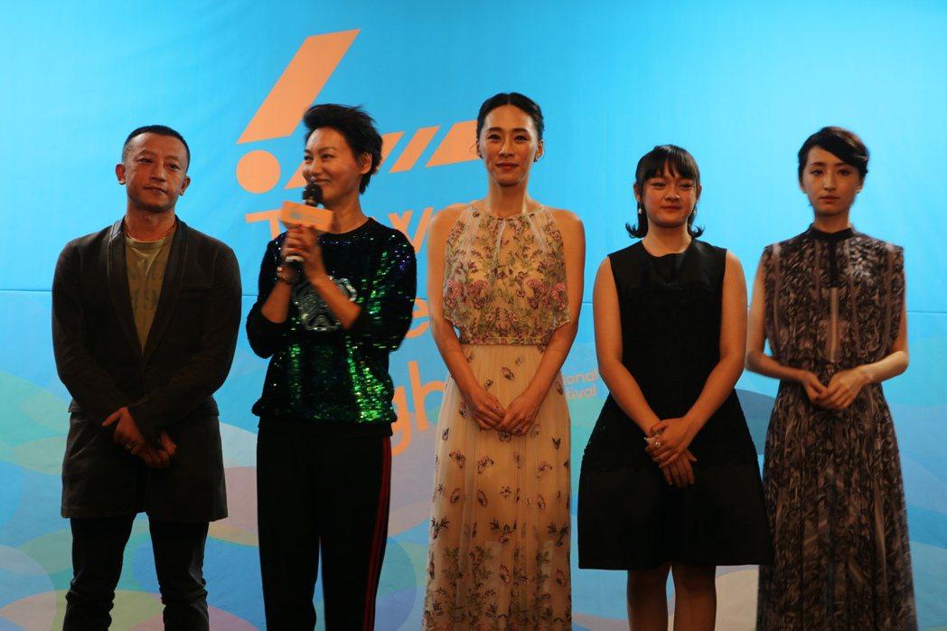 左起「血觀音」導演楊雅喆、惠英紅、吳可熙、文淇、柯佳嬿。圖/國家電影中心提供