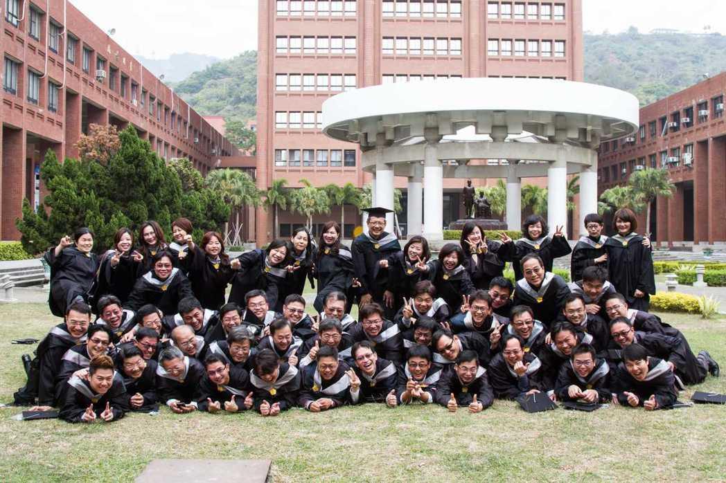 中山大學EMBA合照