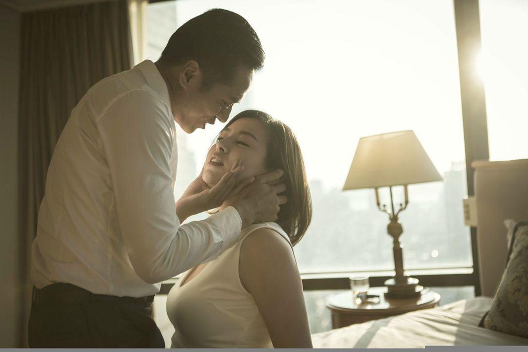 莊凱勛、劉品言在「麻醉風暴2」中有激情戲,讓人看了臉紅心跳。圖╱公視提供