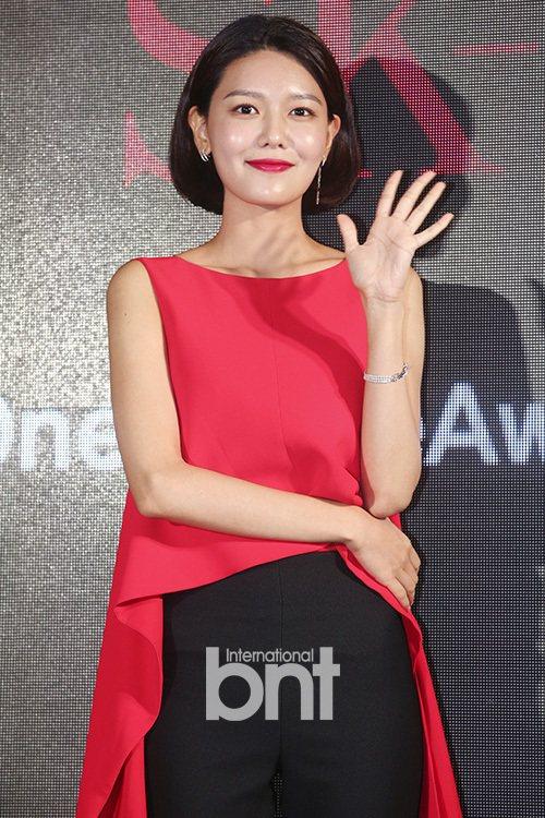 秀英與SM娛樂合約到期後選擇不續約。圖/bntnews提供