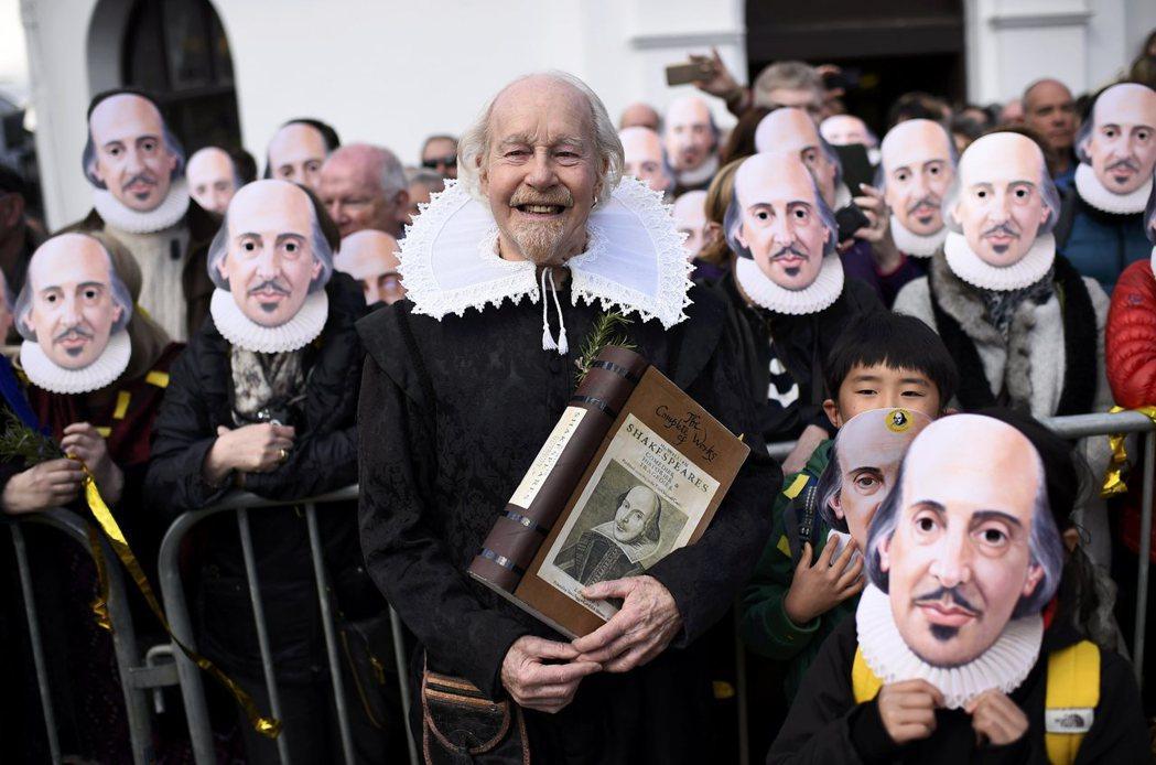 古文好棒棒?莎士比亞在當今英國的課堂上,究竟有什麼樣的地位呢? 圖/路透社