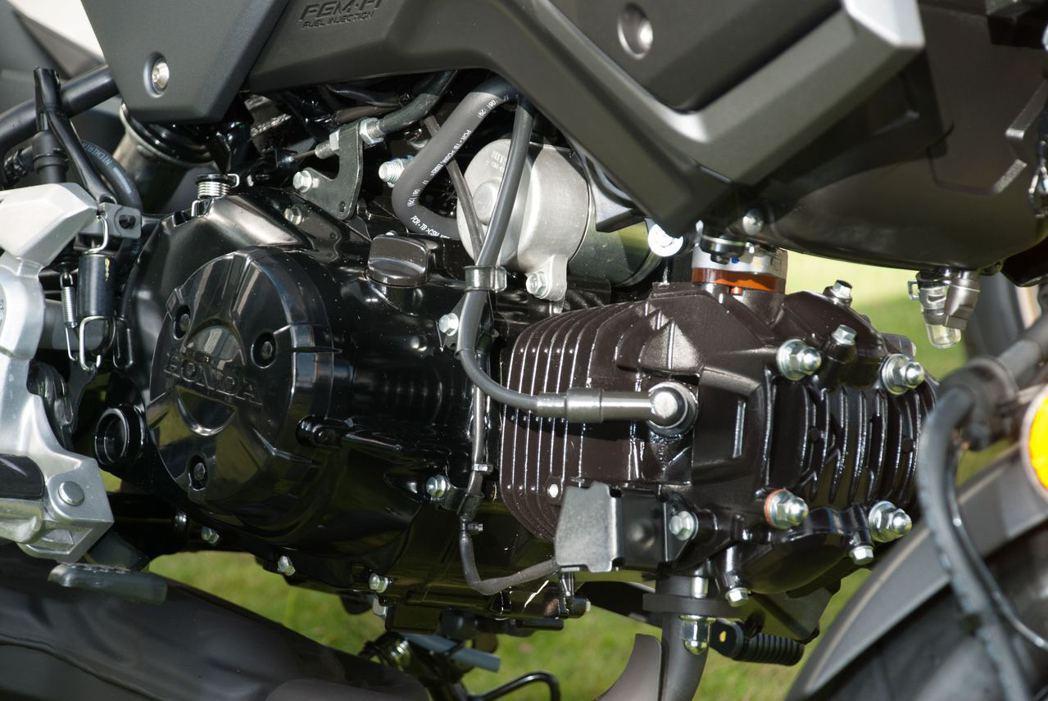 MSX125的心臟是一顆氣冷四行程單汽缸SOHC引擎,最大馬力可輸出9.65hp/7,000rpm,最大扭力則為1.1kgm/5,250rpm。記者林昱丞/攝影