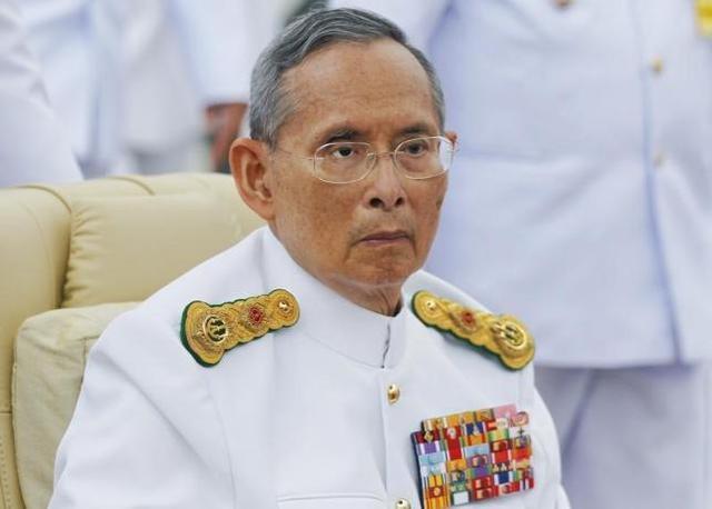 在泰國,絕不能散布任何汙辱王室的言論,已故泰王蒲美蓬在世時,曾有人在臉書散布汙辱...