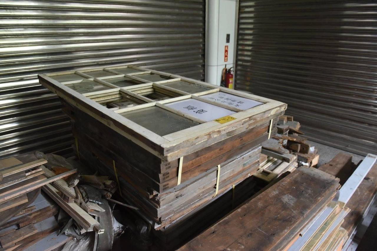文化局強調古蹟材料不可能100%再利用,目前主要結構部分舊木料使用比例約為71%...