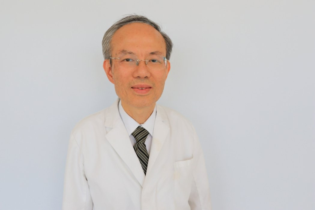 亞洲大學附屬醫院過敏免疫風濕科主任蔡肇基說,少劑量類固醇並不會引起肥胖及水腫。照...