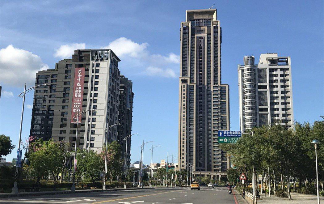 新北市新莊區今年前九月交易移轉5,206棟,較去年大增1.2倍。記者游智文/攝影