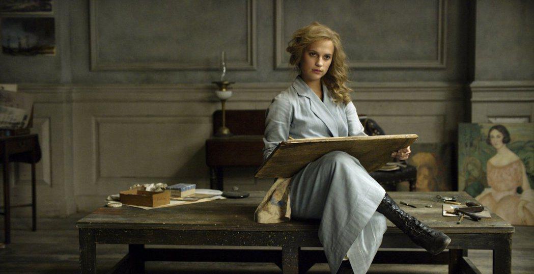 艾莉西亞薇坎德因「丹麥女孩」勇奪奧斯卡獎 。圖/摘自imdb